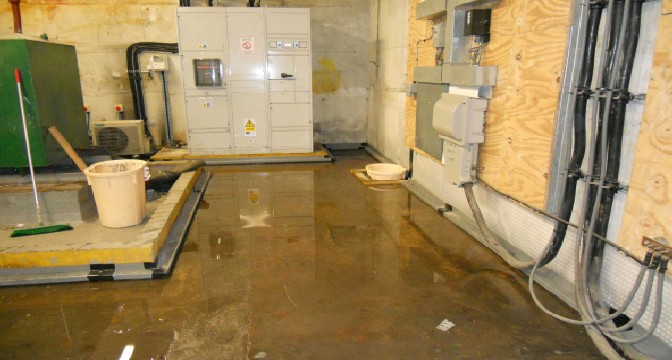 How To Dry Out A Room After Leak, Best Way To Dry Flooded Basement