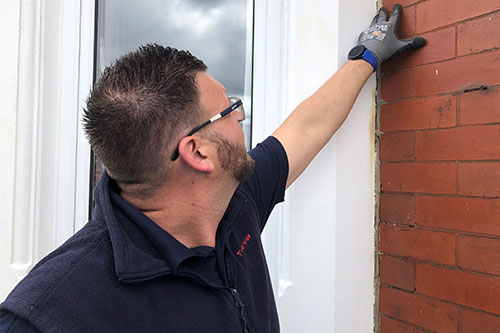 carry out checks on brickwork
